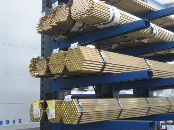 Messingstangen zur Herstellung von Drehteilen